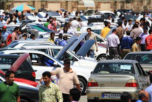 پول های سرگردان به بازار خودرو هجوم آورده اند