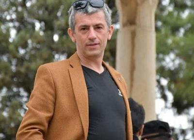 سیروس همتی با مُزامُزا به تماشاخانه ایرانشهر می آید
