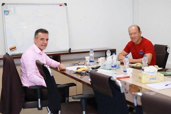 کالدرون زودتر از بازیکنان پرسپولیس به دیدار انصاریفرد رفت