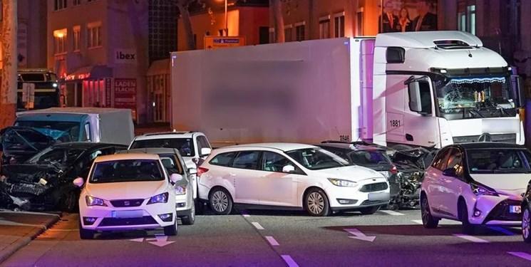 آلمان برخورد یک کامیون با چند خودرو در شهر لیمبورگ را تروریستی می داند