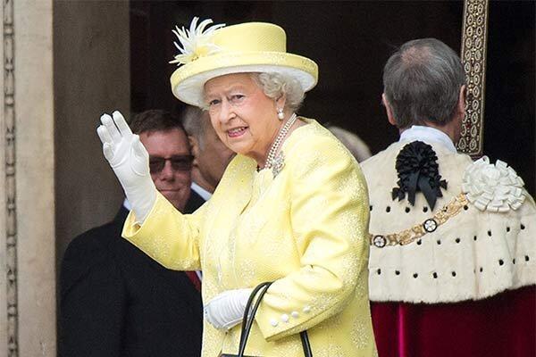 کرونا به خانه ملکه انگلیس رسید