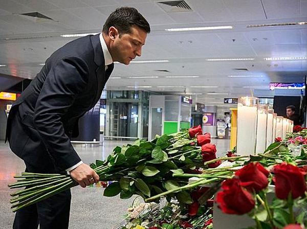 نخست وزیر اوکراین: به هر یک از خانواده های قربانیان سقوط هواپیما 8350 دلار غرامت پرداخت خواهد شد ، دیپلماتهای ما همزمان در حال آنالیز چگونگی دریافت غرامت از ایران هستند