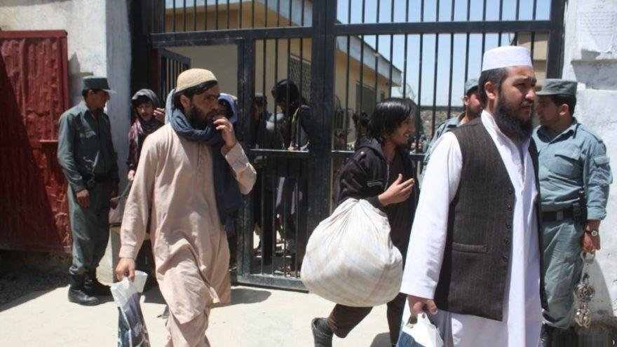 خبرنگاران کرونا در افغانستان؛ 10 هزار زندانی آزاد می شوند