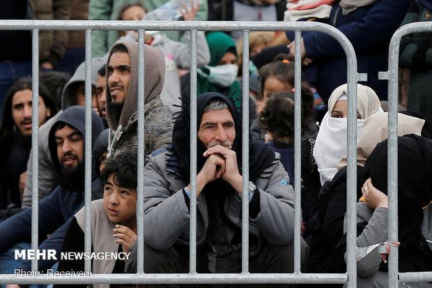 دولت یونان به دنبال اخراج 10 هزار پناهنده