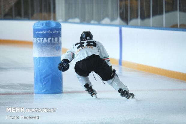 تست ورزشکاران جهت حضور در تیم ملی اسکیت هاکی روی یخ