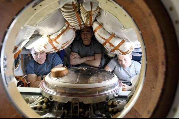 بازگشت 3 فضانورد به زمین در قزاقستان