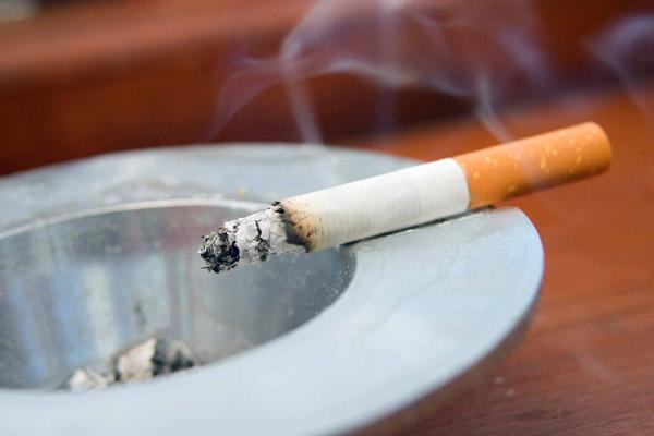 چکار کنم همسرم سیگار را ترک کند؟