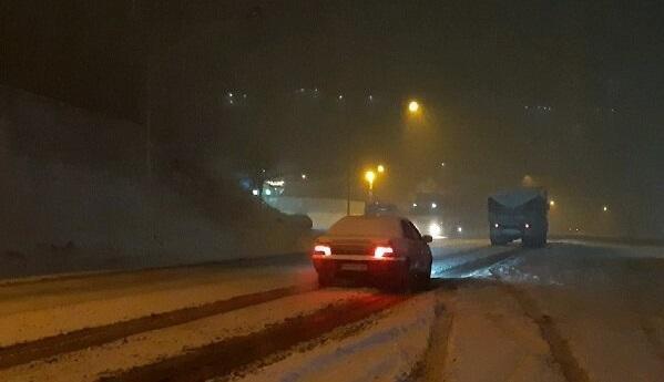 بارش برف شدید در محور هراز