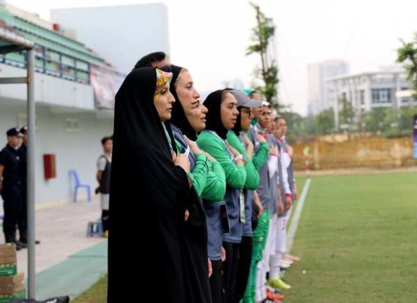 صوفی زاده: درباره بازگشت تیم ملی فوتبال زنان به رنکینگ فیفا بحث شد